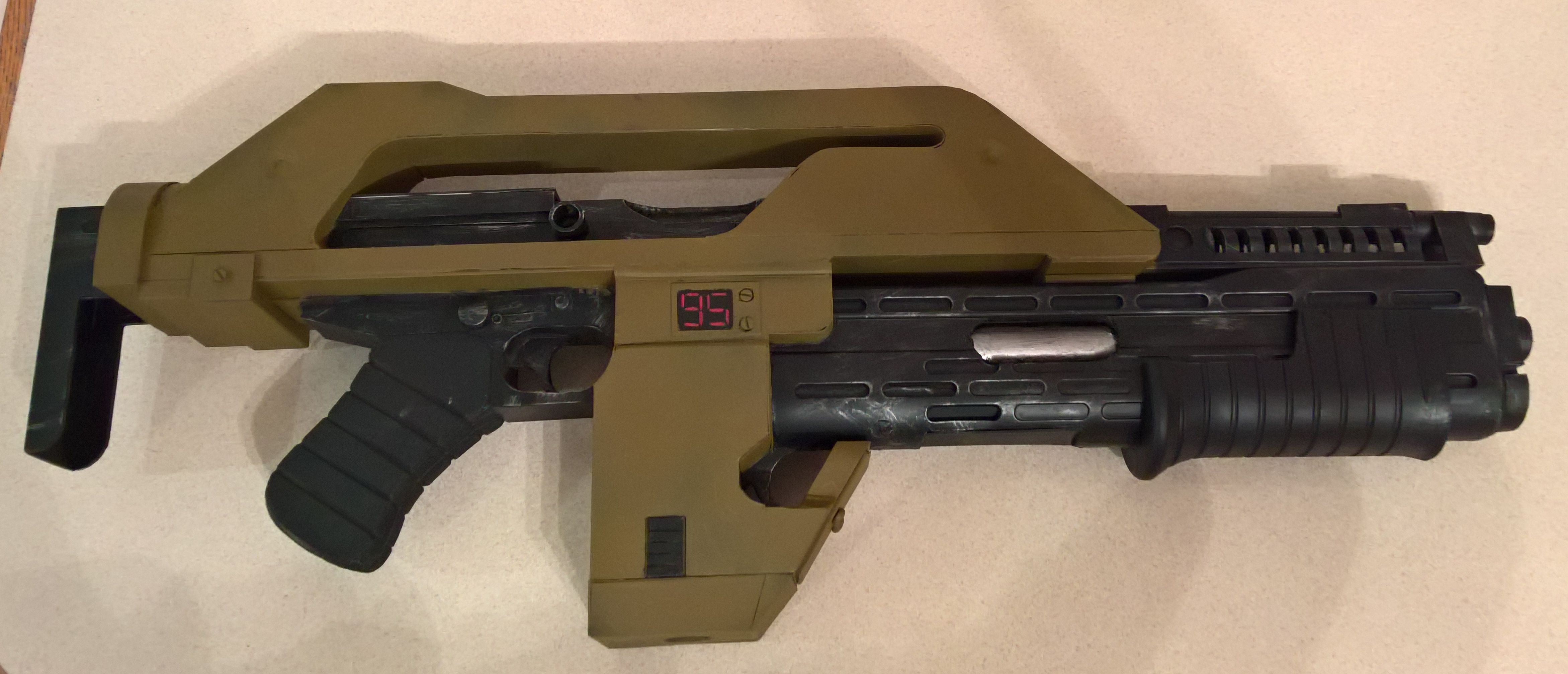 Scratchbuilt Aliens M41A pulse Rifle.jpg
